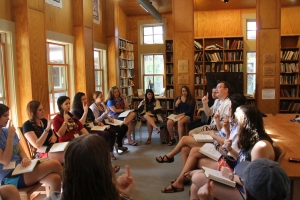 Rabbi Ami Hersh, Assistant Director of Ramah Nyack, leads a workshop on how to run tefillot for younger campers